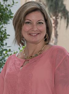 Lynda Lucano
